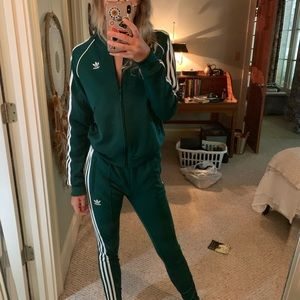 Green track suit top and bottom adidas